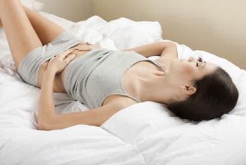 đau bụng dưới âm ỉ