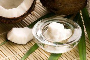 trị ngứa vùng kín bằng dầu dừa